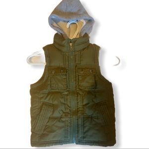 Gap boys vest w hood size xs (4-5)